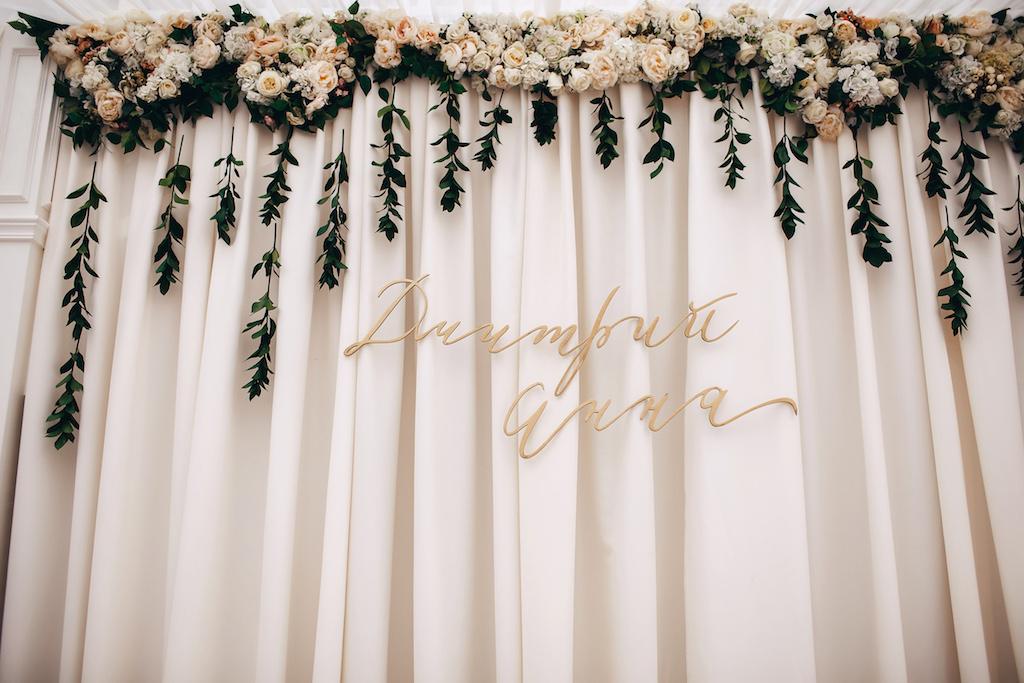 Деревянные инициалы на свадьбу Одесса