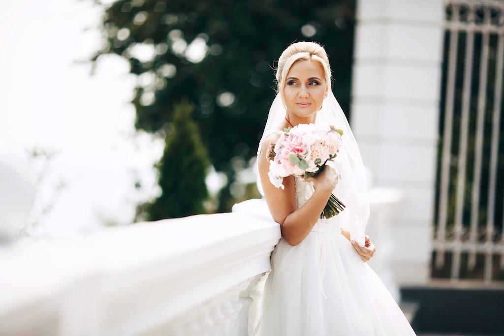 Орагнизация свадебной фотосессии возле моря