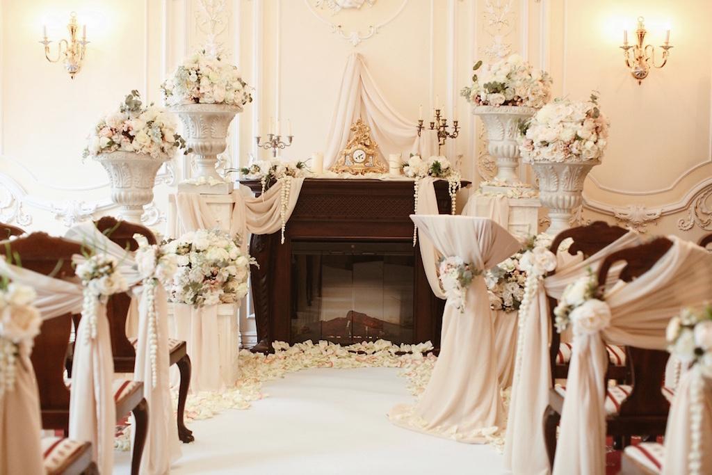 Декор свадьбы в ресторане Моцарт