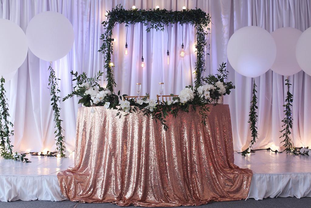 Оформление свадебного стола молодожен в Одессе
