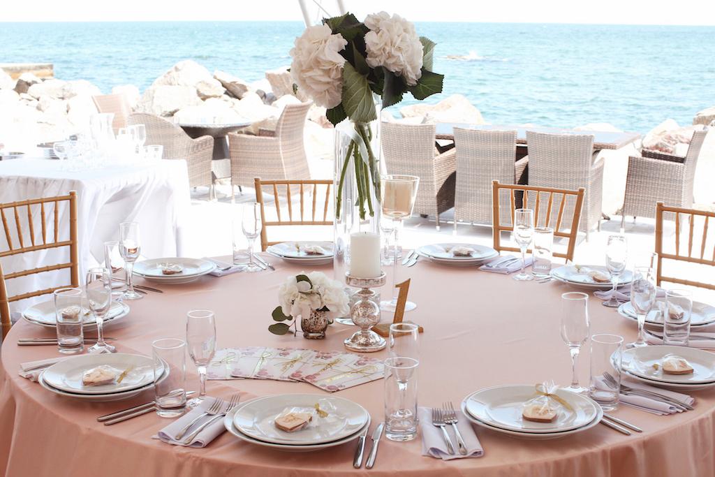 Оформление гостевых столов в Одессе от свадебного агенства Скоро Свадьба