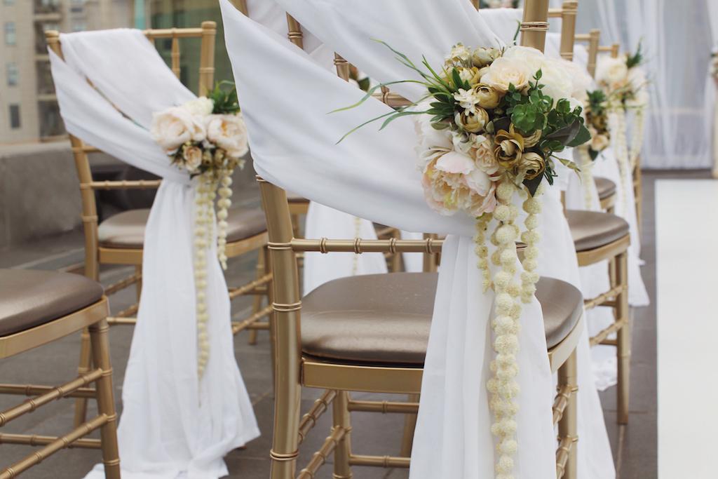 Декор стульев на свадьбу от Скоро Свадьба