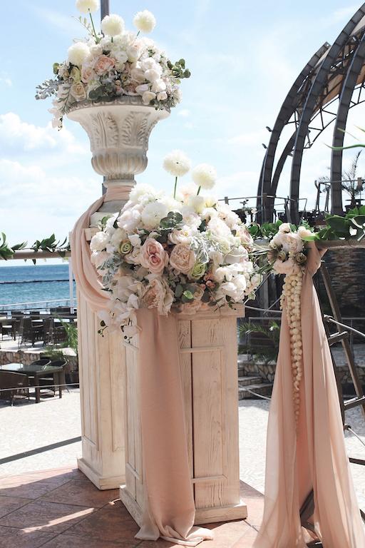 Декор фотозоны в Одессе от свадебного агенства Скоро Свадьба