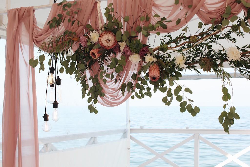 Декор живыми цветами в Одессе