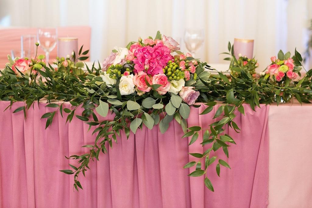 Цветочные композиции на свадебный президиум в Одессе