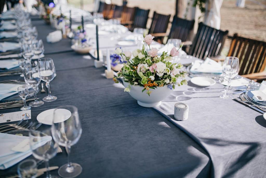 Оформление свадьбы живой флористикой в конном клубе Богнатово