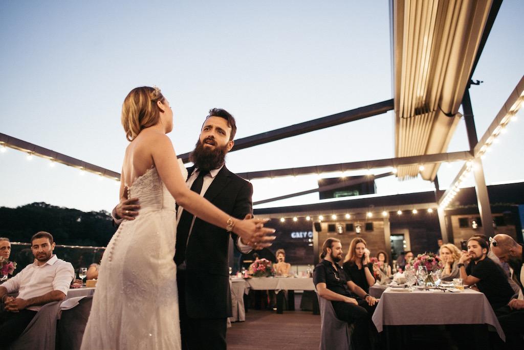 Постановка первого свадебного танца в городе Одесса