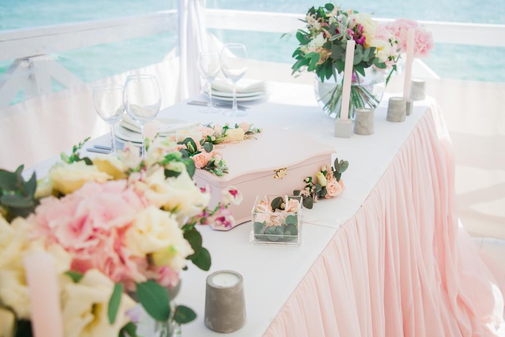 Аксессуары для свадьбы ручной работы в Одессе