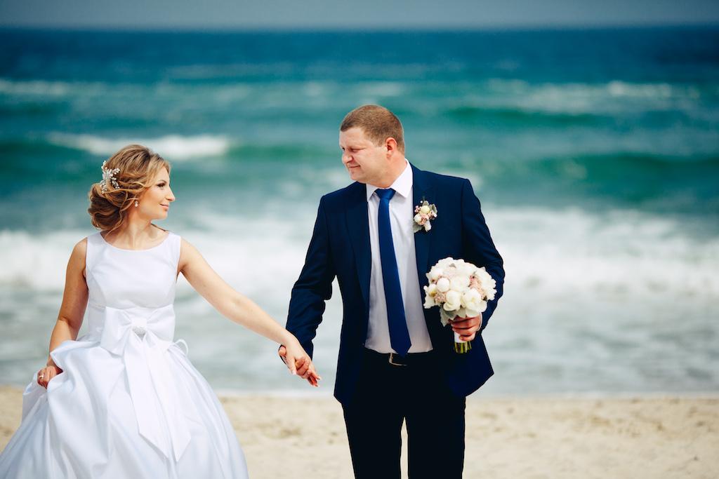 Свадебная прогулка возле моря в Одессе