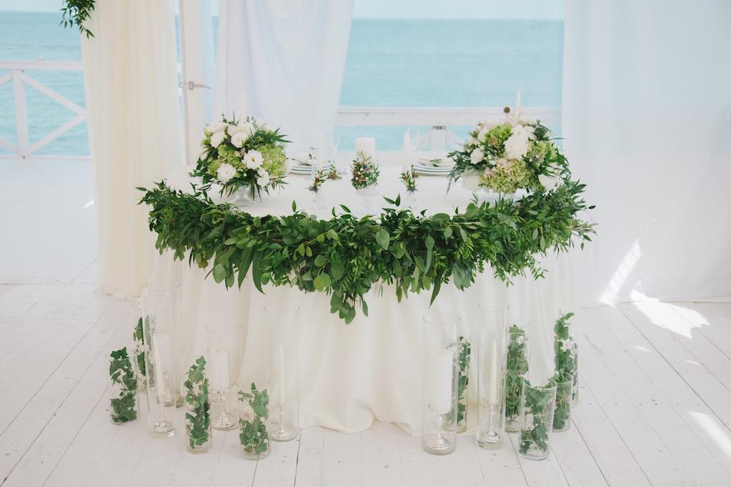 Декор свадьбы в ресторане Ривьера в Одессе