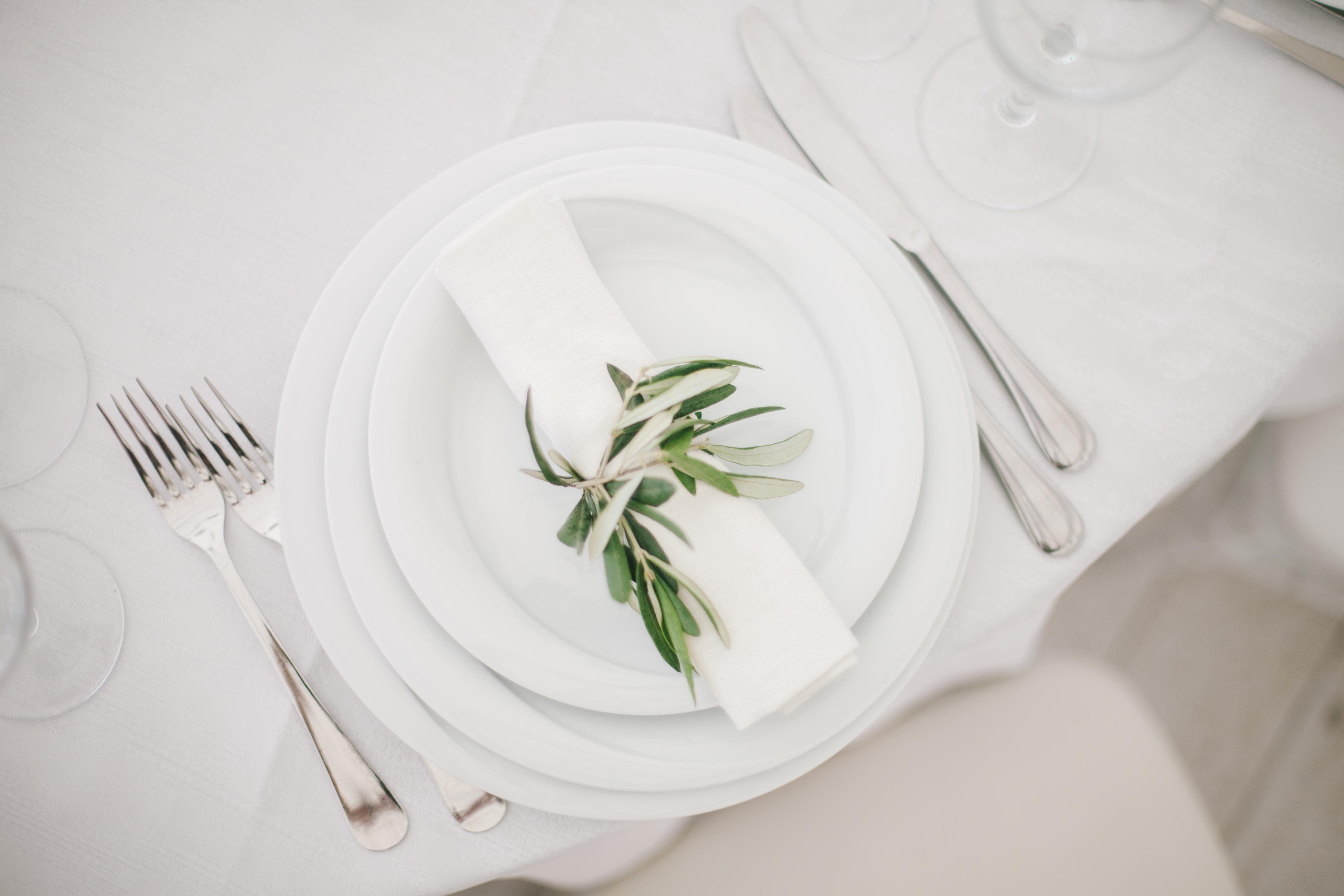 декор живыми цветами ресторана Ривьера