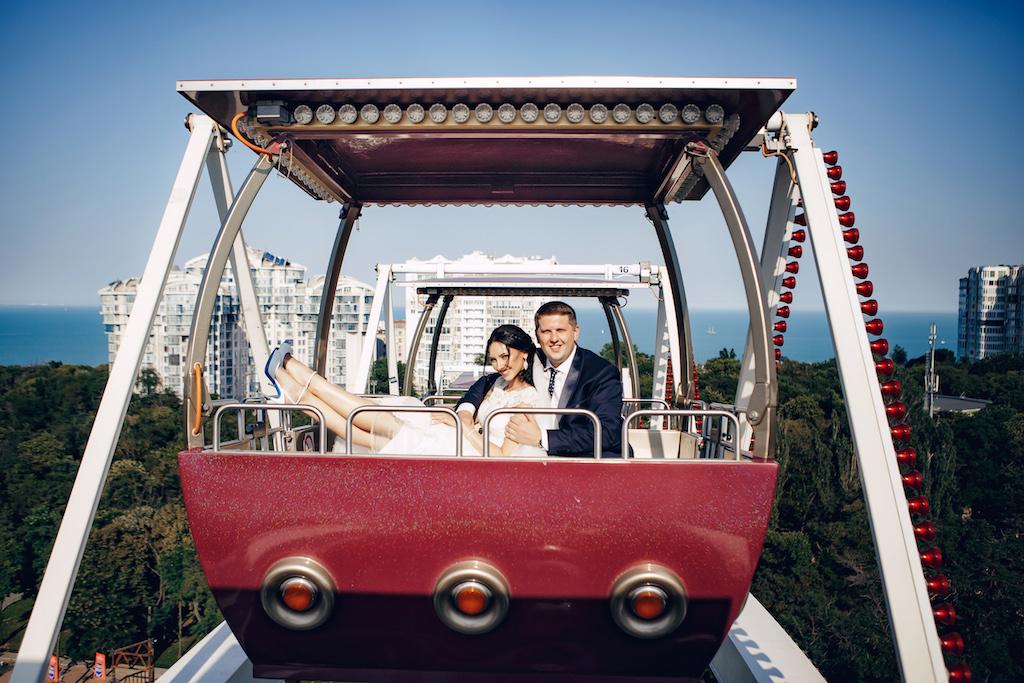 Свадебная фотосессия в лунопарке