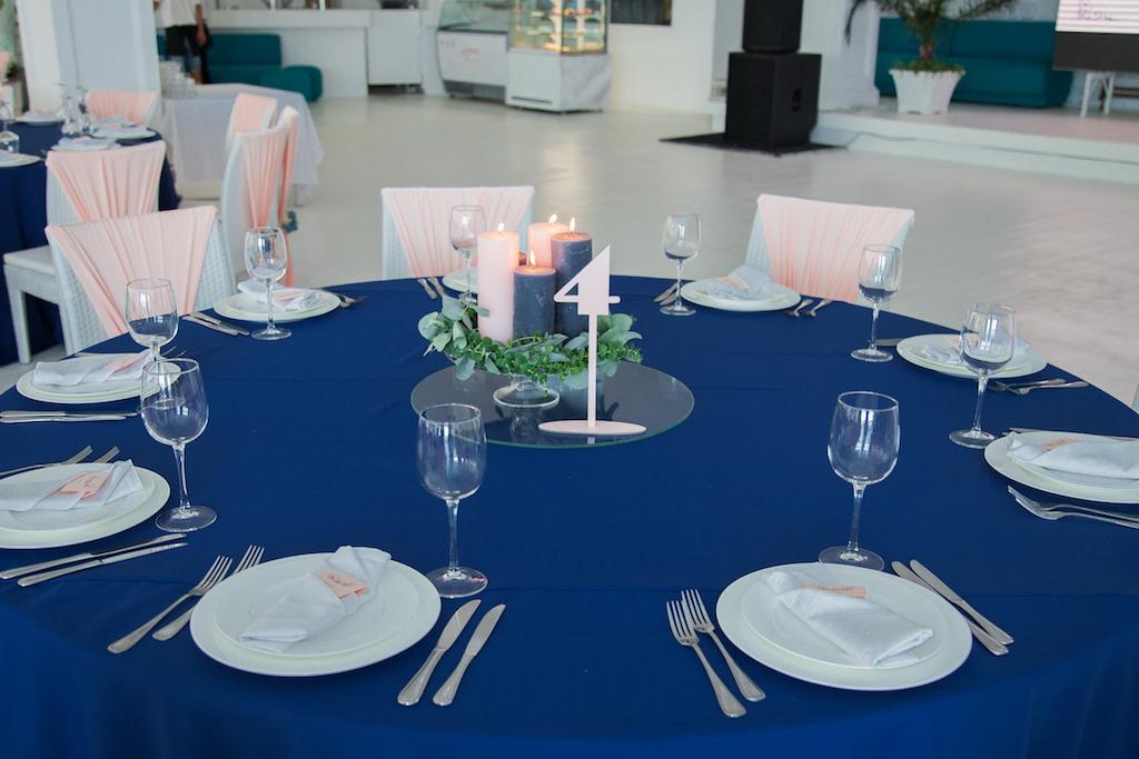 Украшение гостевых столов живыми свечами