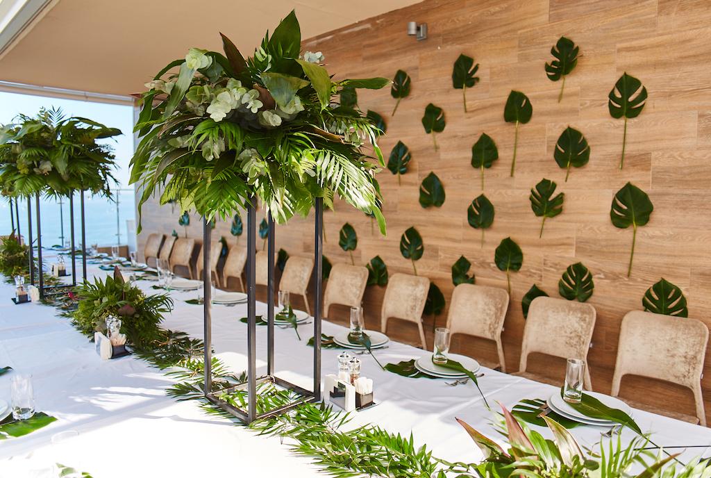 Оформление свадьбы живой зеленью в отеле Панорама Де Люкс Одесса