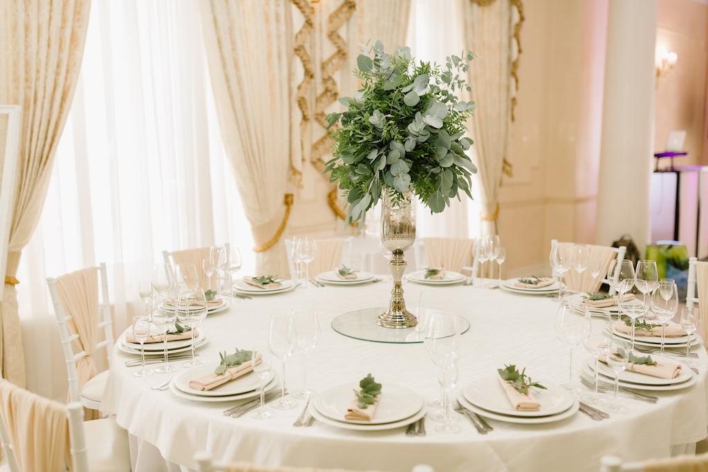 Оформление живой зеленью свадьбу в Одессе