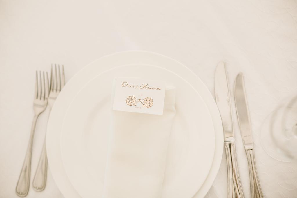 Индивидуальная рассадка гостей на свадьбе