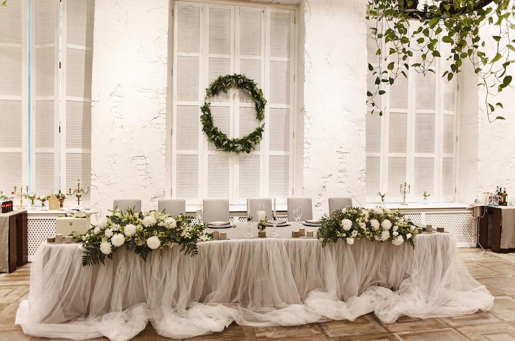 Оформление свадебного президиума в ресторане Чилини Одесса