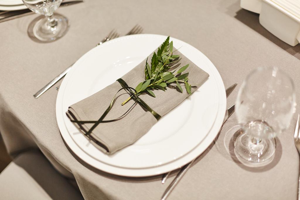 Декор гостевых столов на свадьбу в Одессе