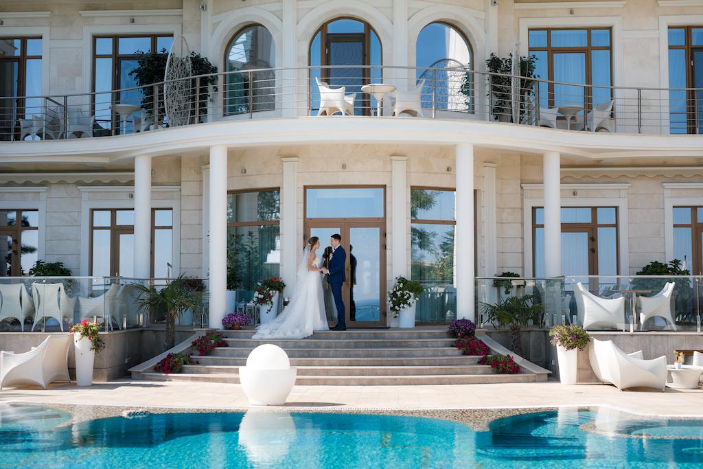 Свадебная фотосессия в отеле Панорама Де Люкс Одесса