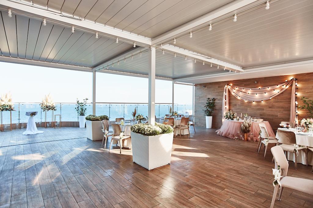 Организация свадьбы возле моря в Одессе