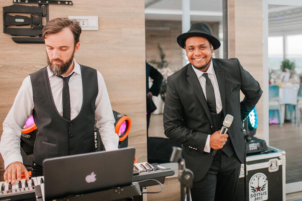 выступление артиста Антонио Гомез Круза на свадьбе