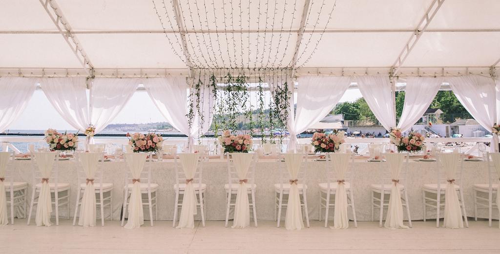 декор свадьбы в ресторане Ривьера