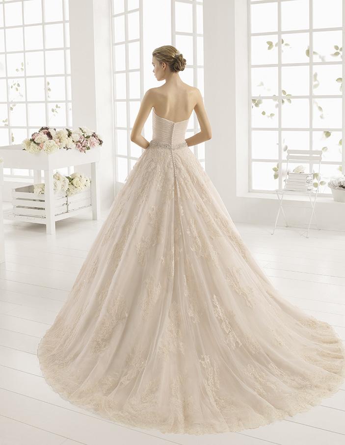 Monica (40, bd lace org, ivory) Свадебное платье Rosa Clara в Одессе. Свадебный салон Скоро Свадьба.