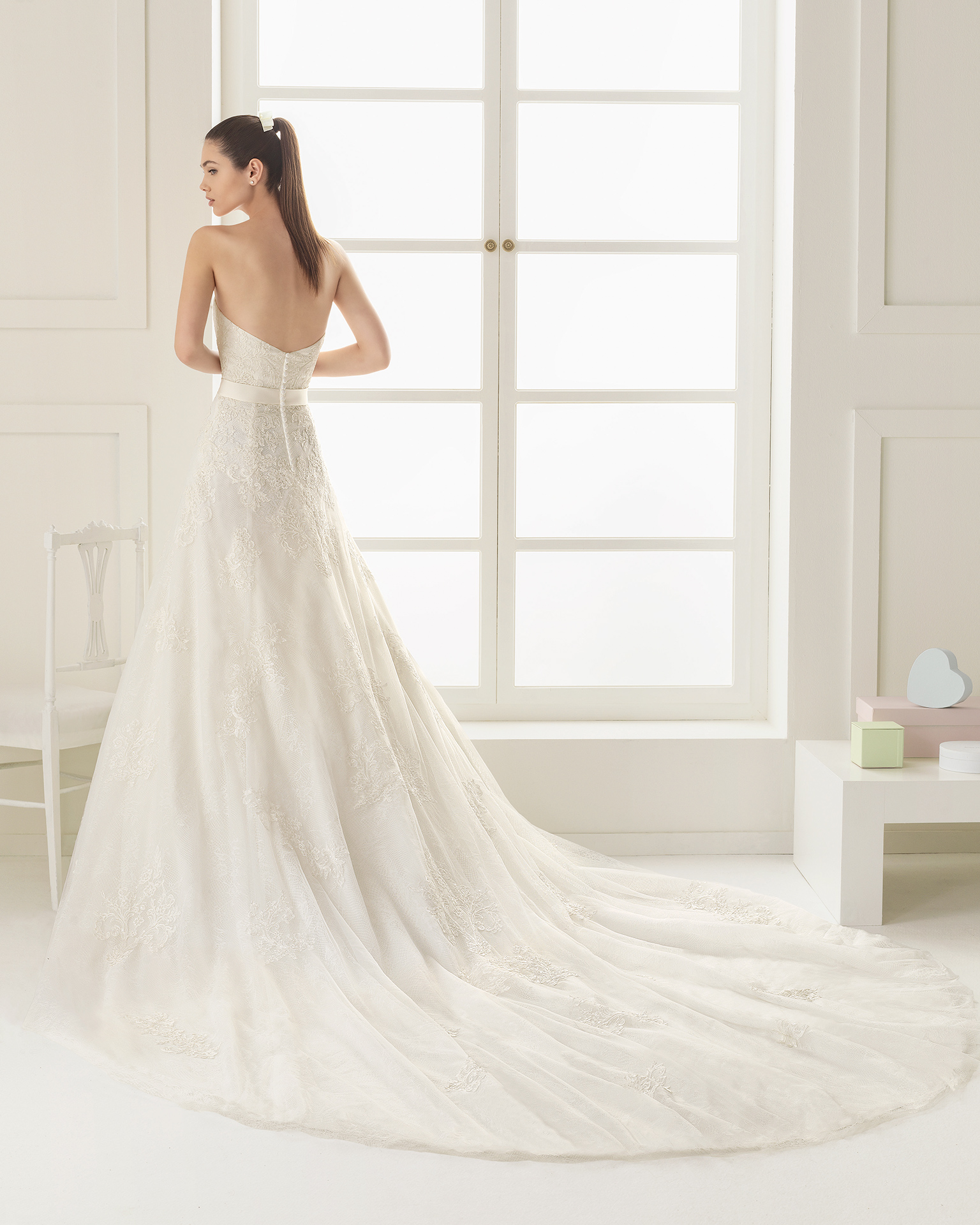 Elena (40, тюль/кружево/бисер, natural) Свадебное платье Rosa Clara в Одессе. Свадебный салон Скоро Свадьба.