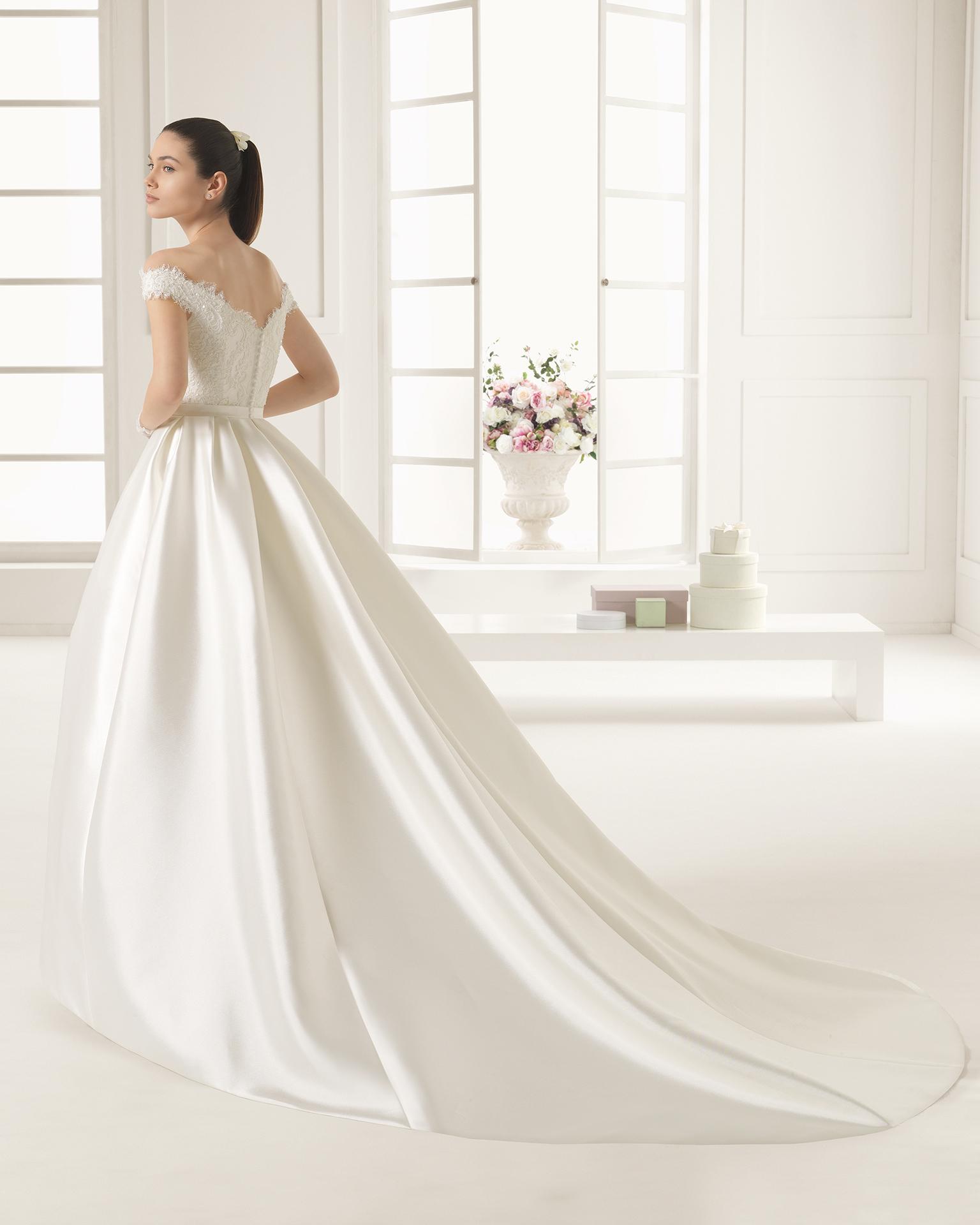Emilia (38, микадо/кружево/бисер, natural) Свадебное платье Rosa Clara в Одессе. Свадебный салон Скоро Свадьба.