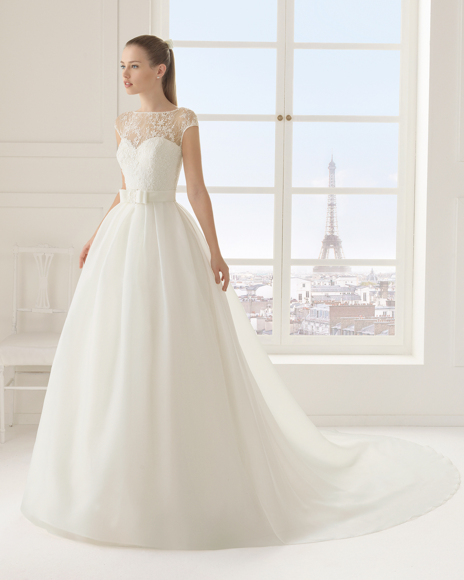 Erika (38, органза /кружево/бисер, natural) Свадебное платье Rosa Clara в Одессе. Свадебный салон Скоро Свадьба.