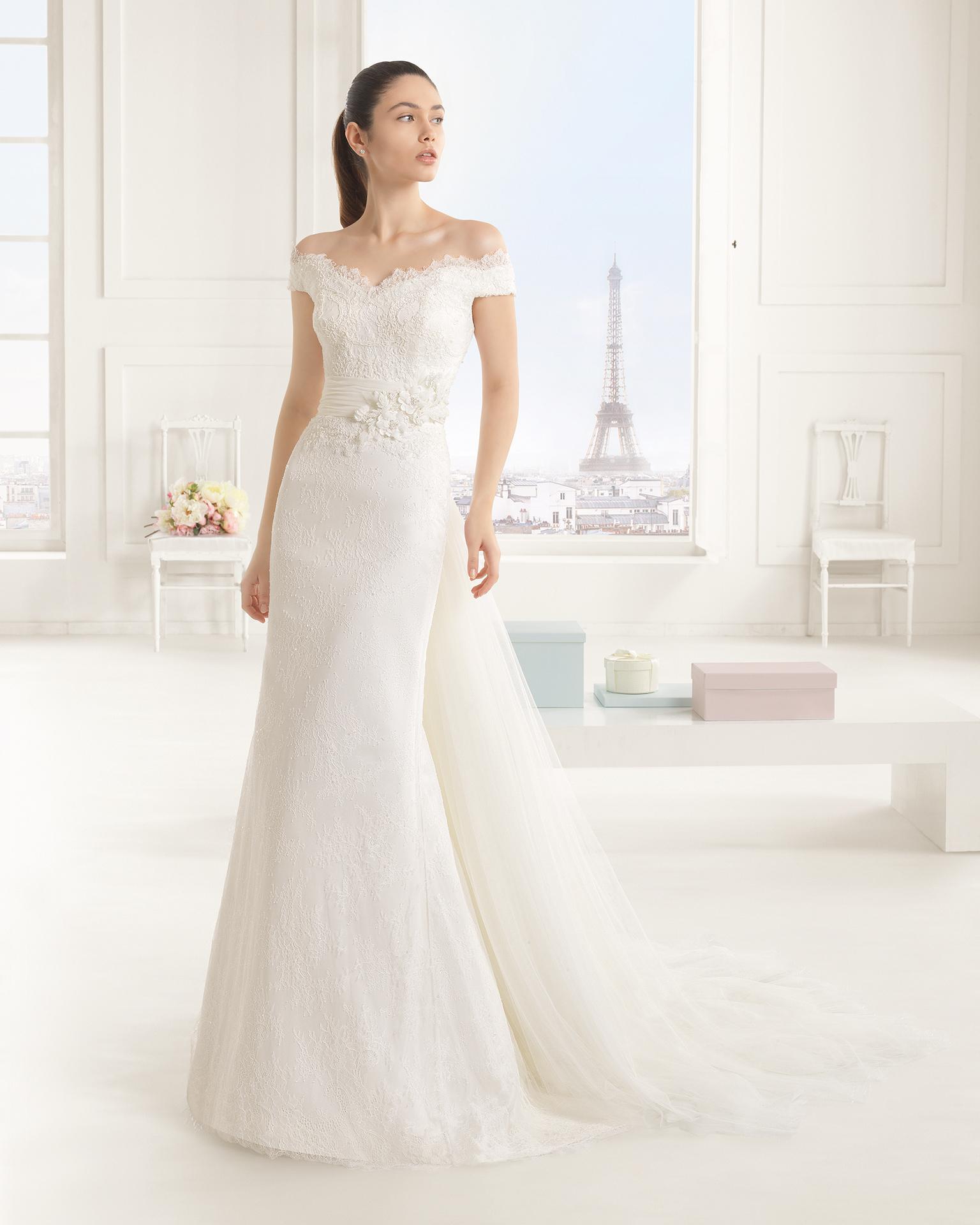 Euforia (40, dress+train/кружево/бисер, natural) Свадебное платье Rosa Clara в Одессе. Свадебный салон Скоро Свадьба.