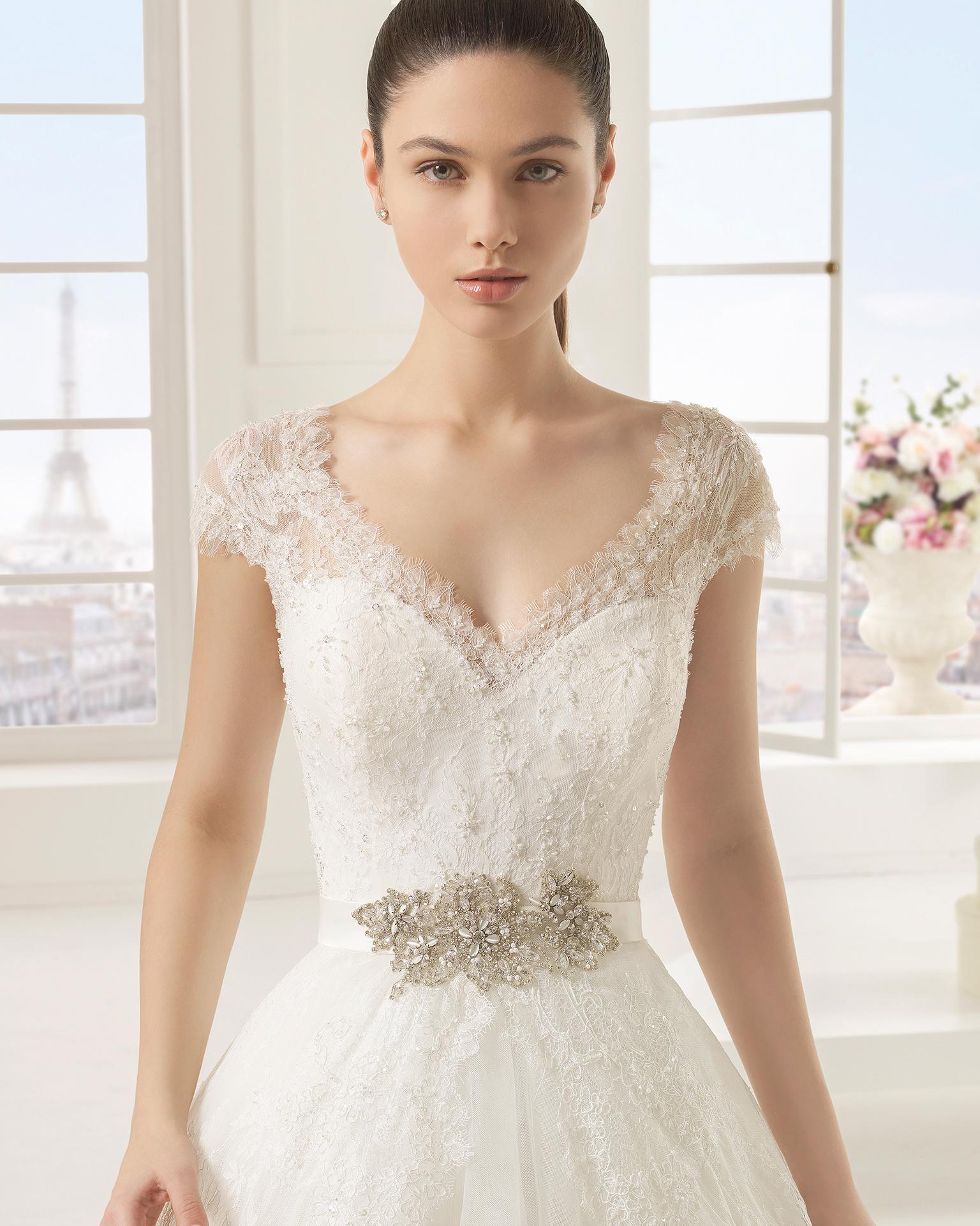 Exotico (38, тюль/кружево/бисер, natural) Свадебное платье Rosa Clara в Одессе. Свадебный салон Скоро Свадьба.